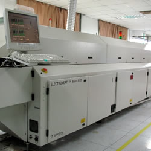 Hot Air reflow: Electrovert Bravo 8105